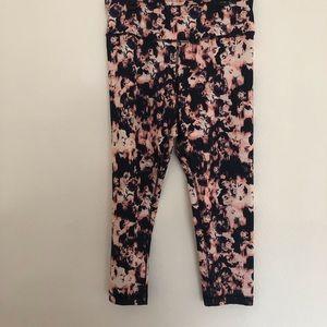 90 Degree By Reflex Pants - 90 degree by reflex Capri leggings size large
